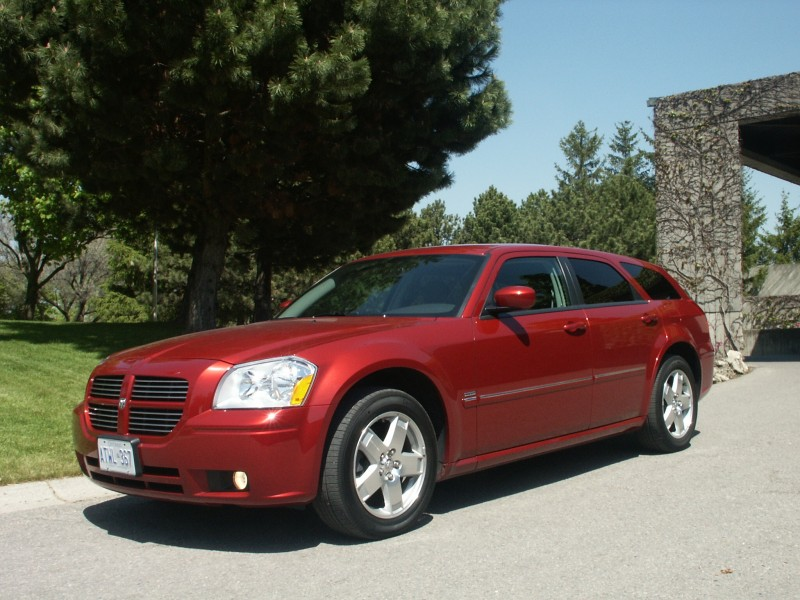 Canadian Auto Review 2005 Dodge Magnum R T Awd Photos