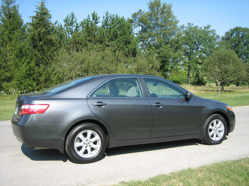 Canadian Auto Review - 2007 Toyota Camry LE Photos