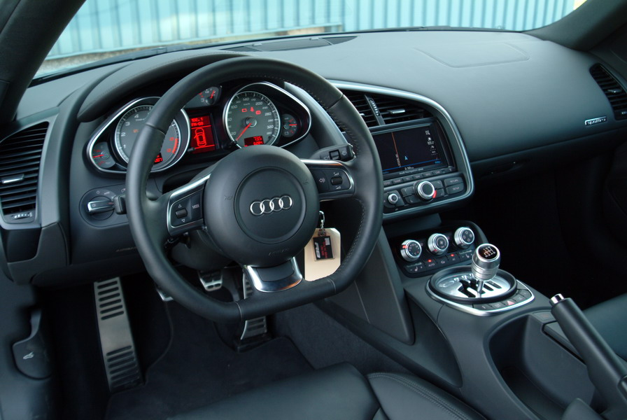 2009 audi r8 photo gallery cars photos test drives. Black Bedroom Furniture Sets. Home Design Ideas
