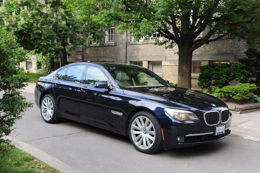 2009 bmw 750i photo gallery cars photos test drives and reviews canadian auto review. Black Bedroom Furniture Sets. Home Design Ideas