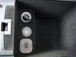 2009 Lincoln MKS Black center console storage outlets