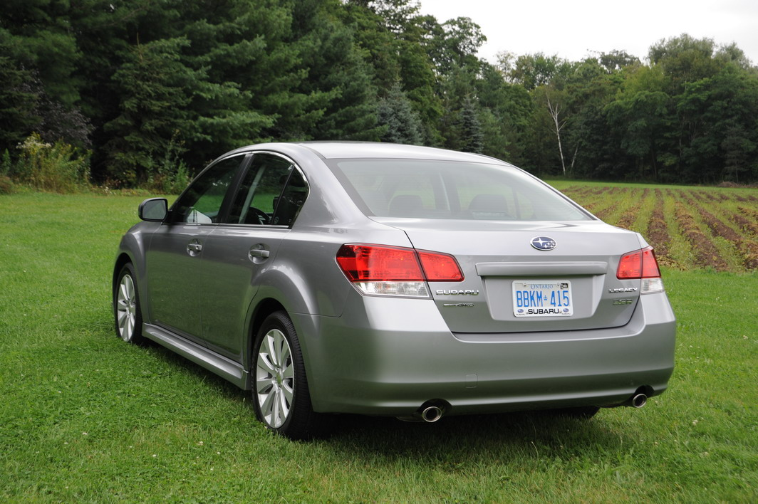Subaru Legacy 3 6 R >> 2010 Subaru Legacy 3.6R Photo Gallery - Cars, Photos, Test Drives, and Reviews | Canadian Auto ...