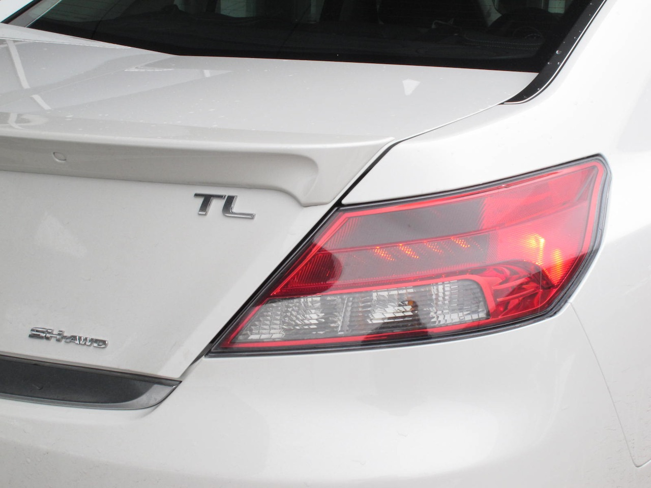 Acura TL SHAWD Review Cars Photos Test Drives And Reviews - Acura tl taillights