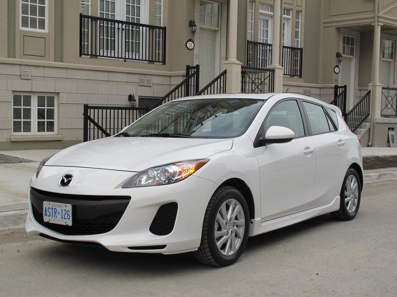 2012 mazda3 gs review cars photos test drives and reviews canadian auto review. Black Bedroom Furniture Sets. Home Design Ideas