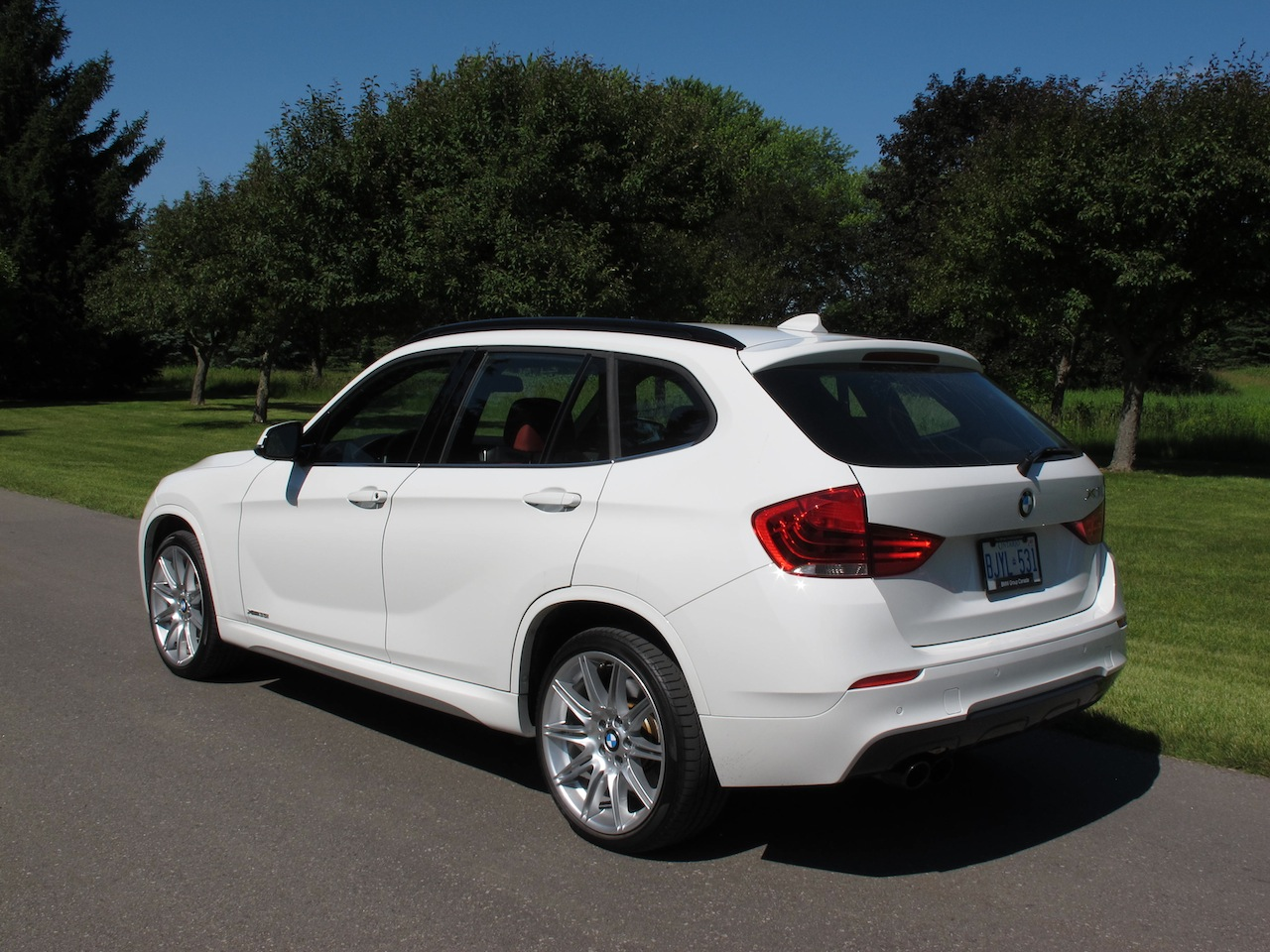 2013 bmw x1 xdrive35i m sport review cars photos test drives and reviews canadian auto review. Black Bedroom Furniture Sets. Home Design Ideas