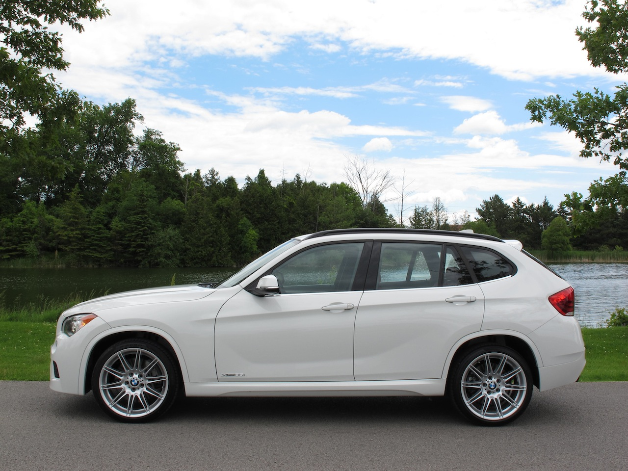 2013 BMW X1 xDrive35i MSport Review  Cars Photos Test Drives