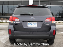 2013 Subaru Outback 3.6R Limited Gray rear view
