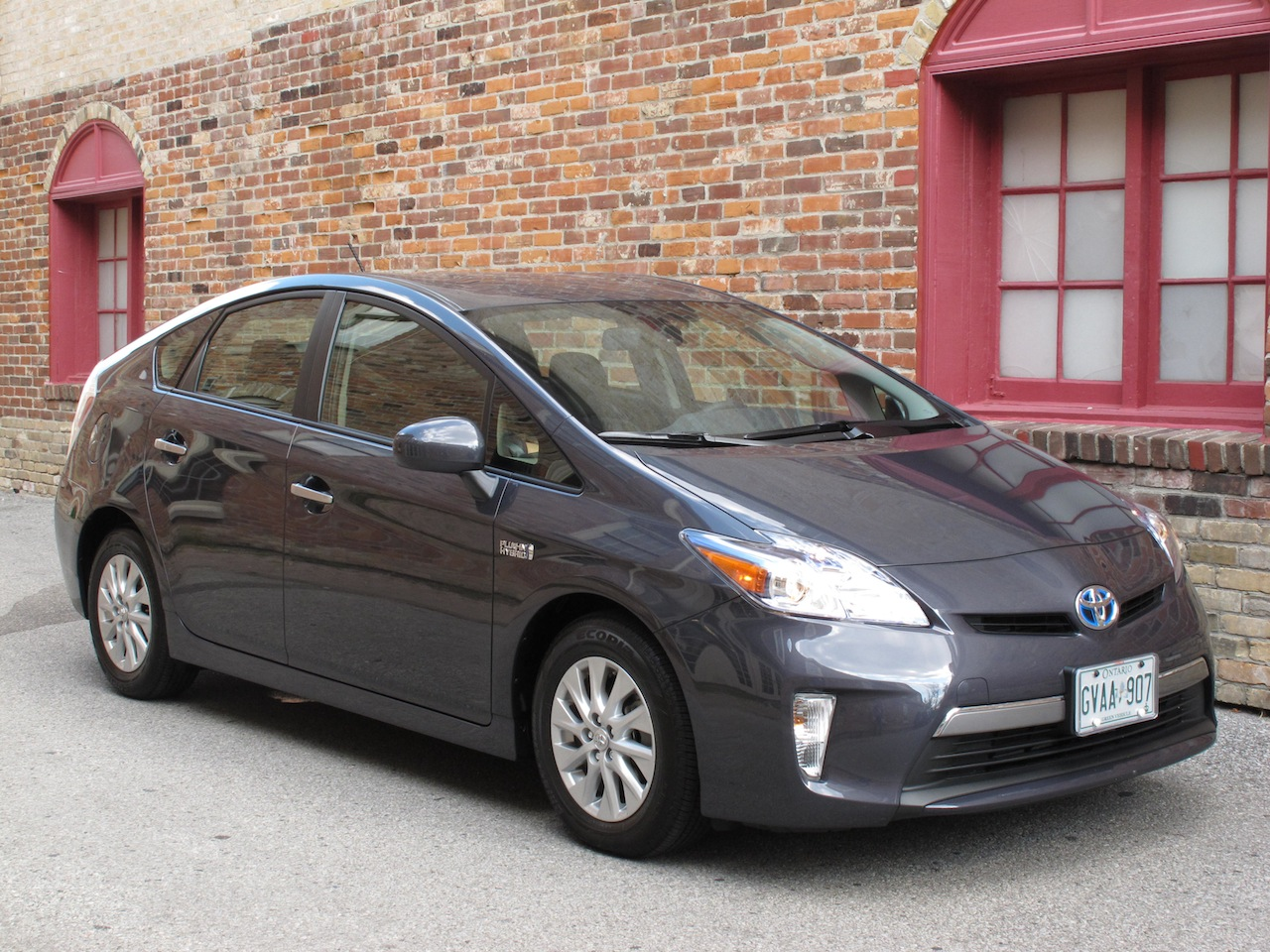2013 Toyota Prius Plugin Hybrid Review Cars Photos