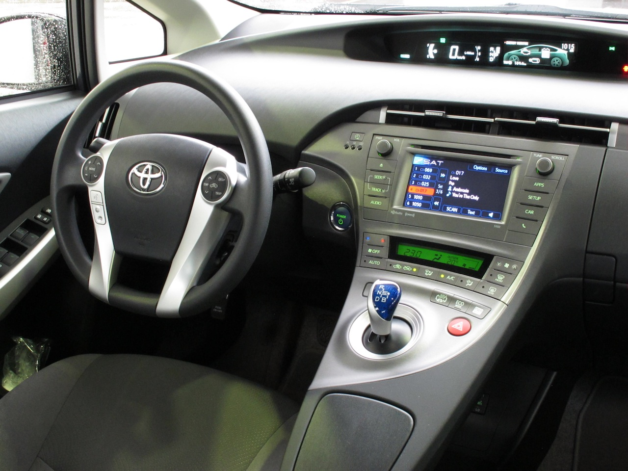 ... 2013 Toyota Prius Plugin Hybrid Gray Interior Dashboard With Steering  Wheel And Controls ...