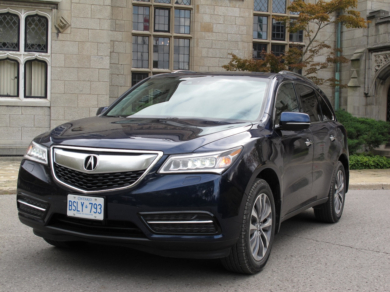 2015 acura mdx in action release date price and specs. Black Bedroom Furniture Sets. Home Design Ideas