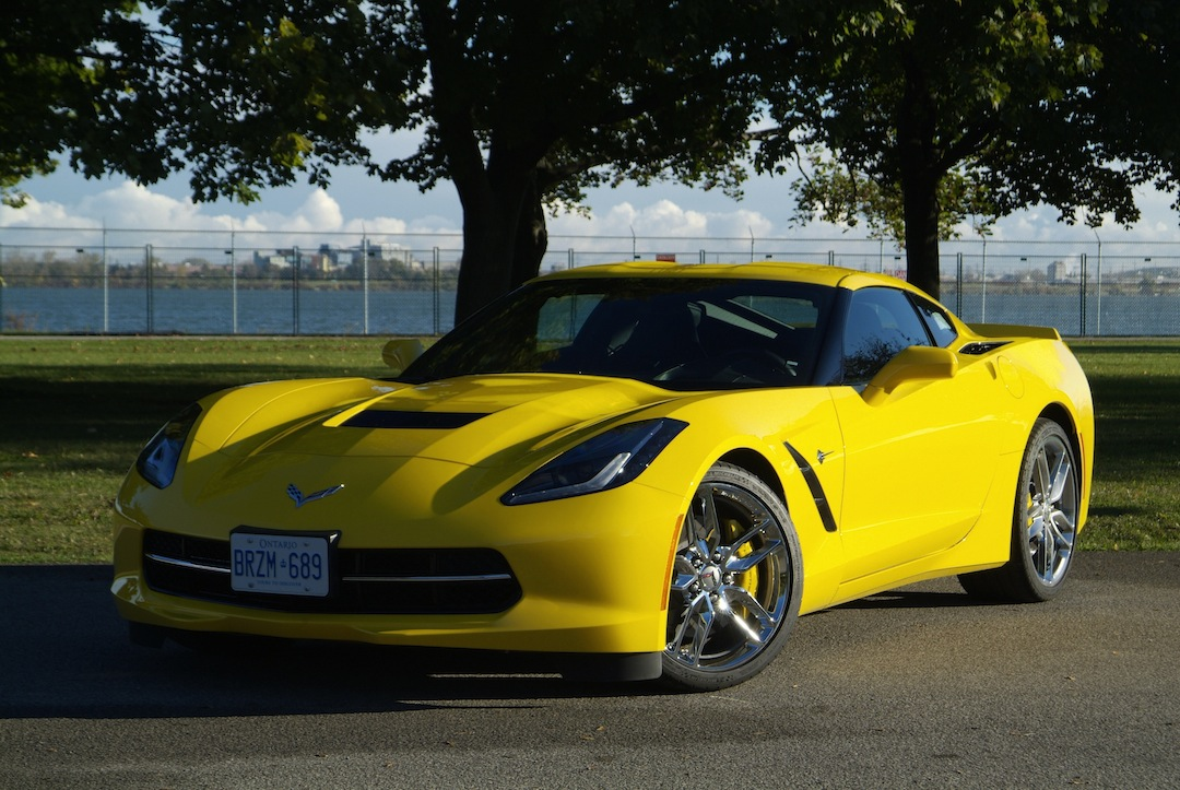 2014 chevrolet corvette c7 stingray photo gallery cars photos test drives and reviews. Black Bedroom Furniture Sets. Home Design Ideas