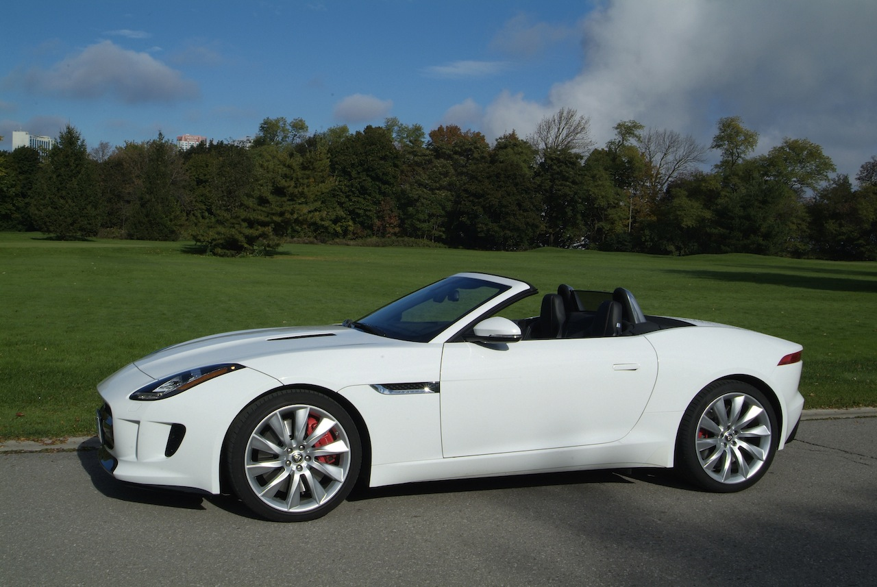 2014 jaguar f type cars photos test drives and reviews canadian auto review. Black Bedroom Furniture Sets. Home Design Ideas
