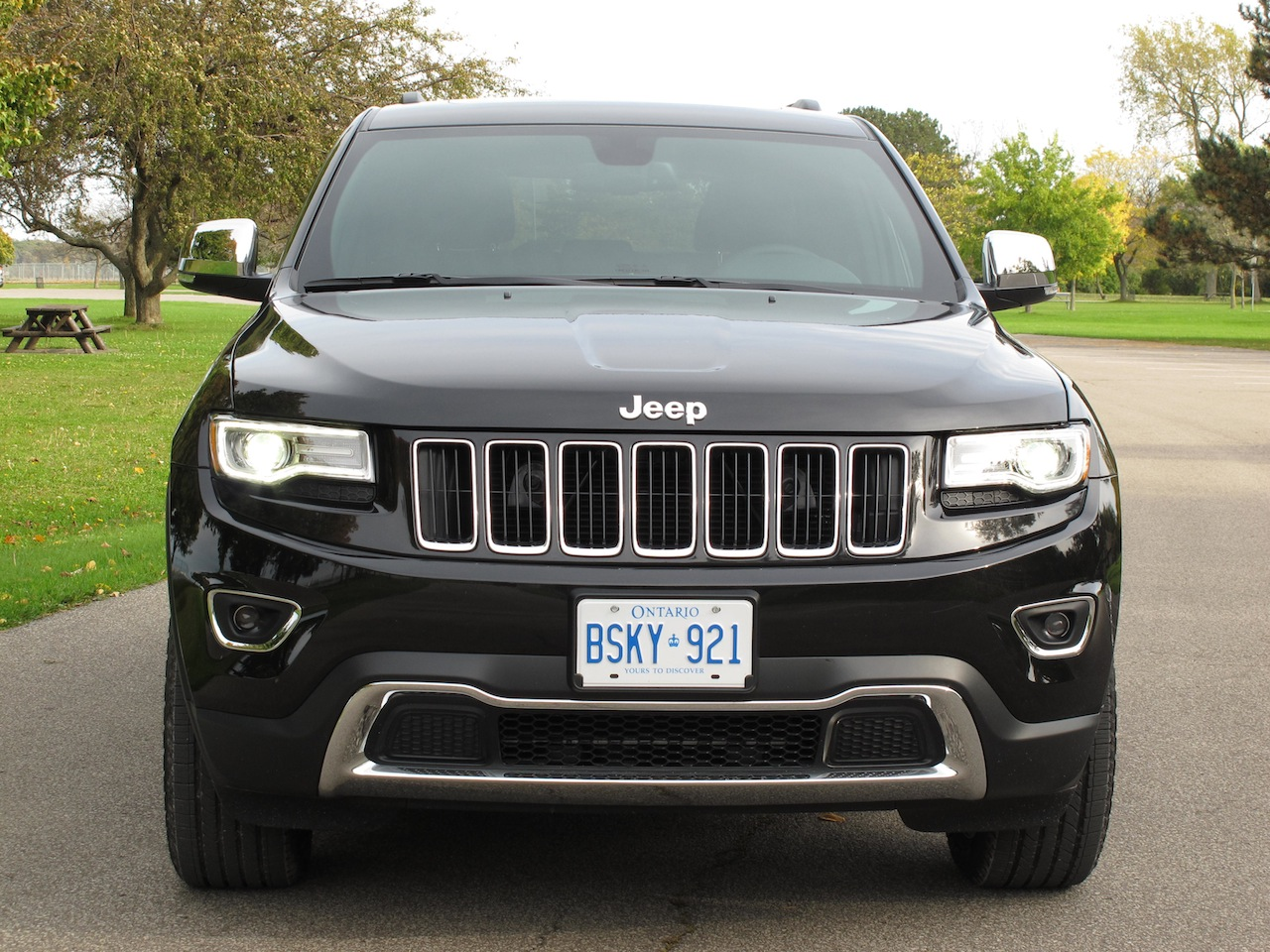 2014 jeep grand cherokee photo gallery cars photos test drives. Cars Review. Best American Auto & Cars Review