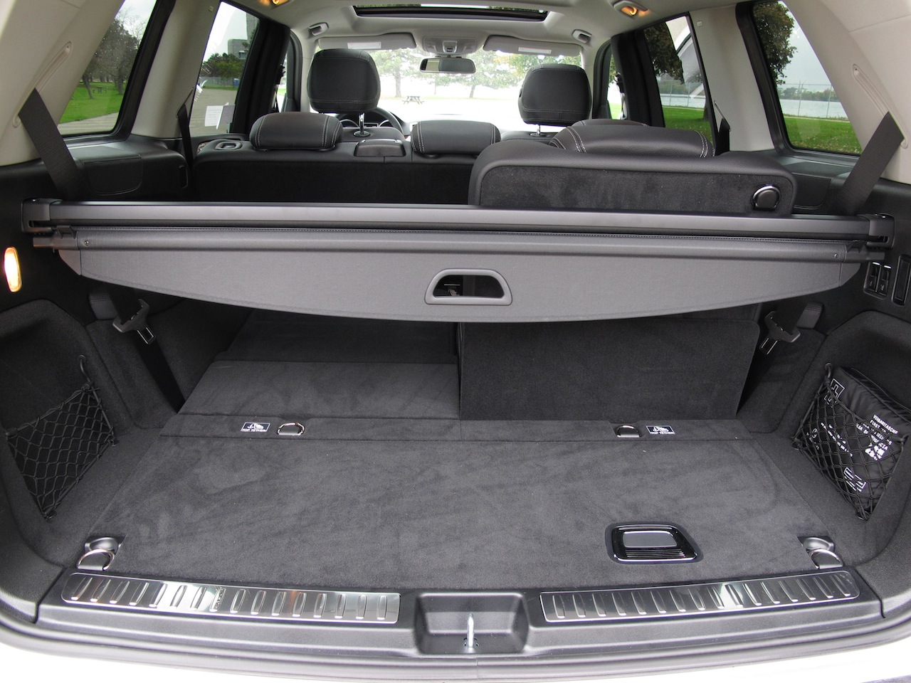 Mercedes gl 350 review 2014 change font size on a web for Mercedes benz car trunk organizer
