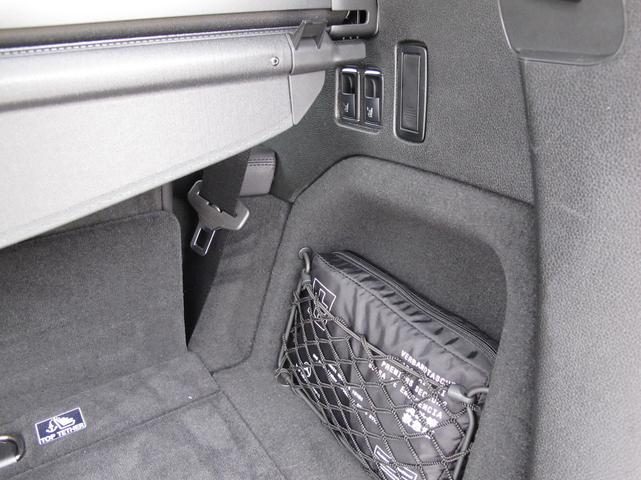 2014 mercedes benz gl350 bluetec silver rear trunk storage for Mercedes benz car trunk organizer