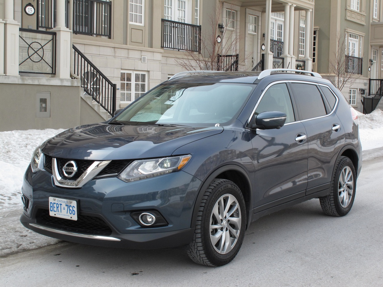 日產 2014 Nissan Rogue SL AWD Blue Front Side View