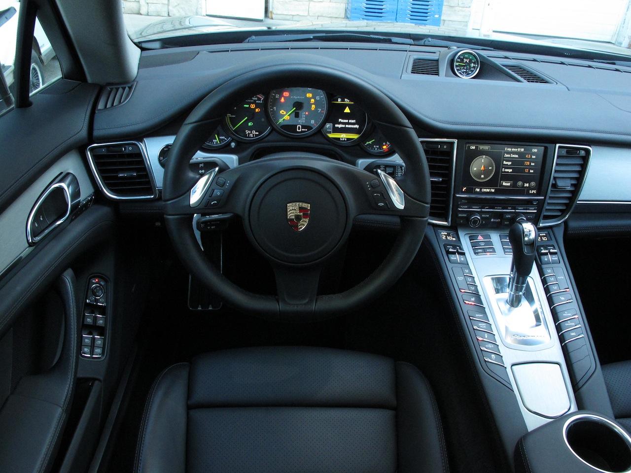 2014 Porsche Panamera S E Hybrid Black Interior Dashboard