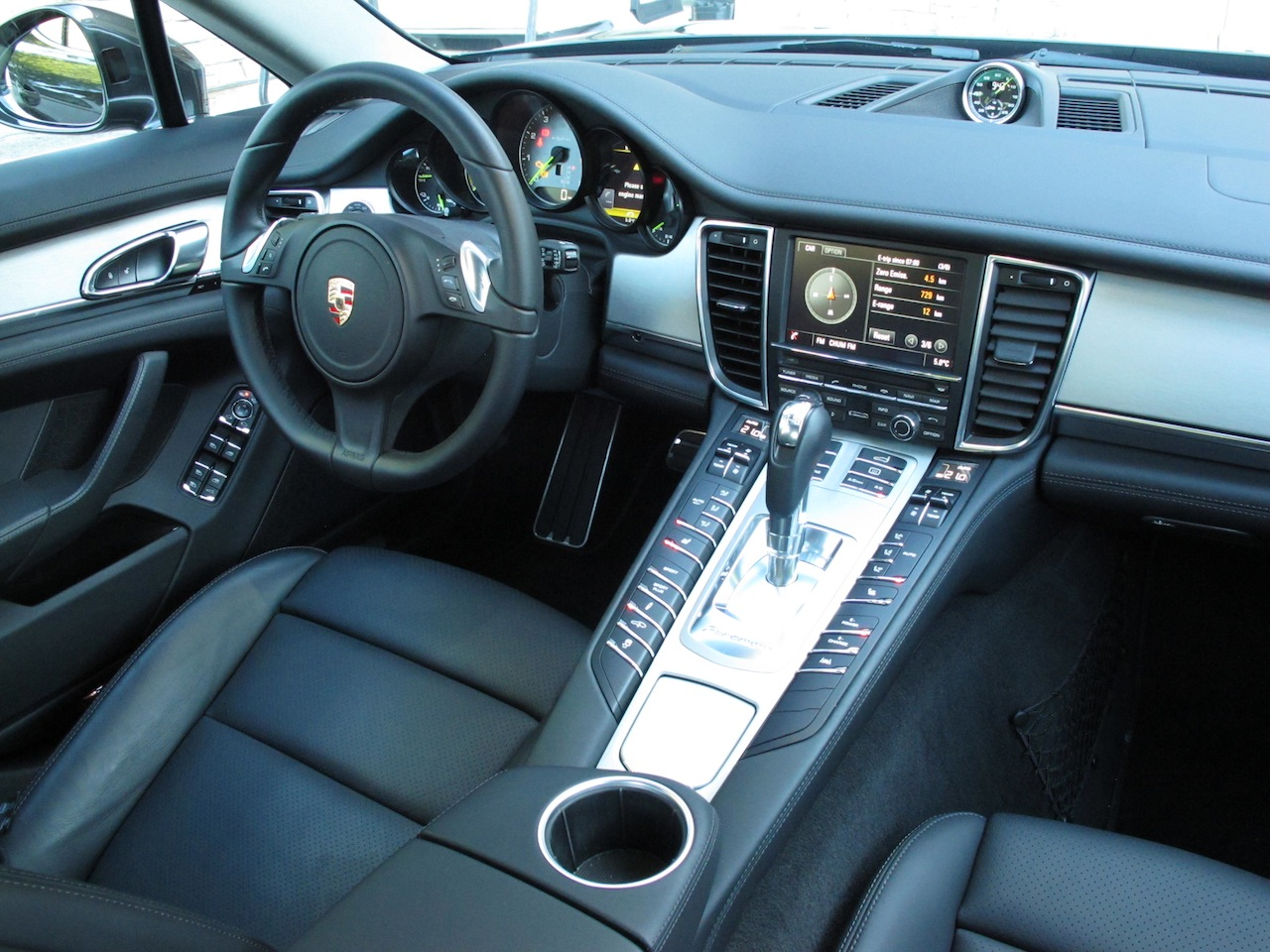 2014 Porsche Panamera S E Hybrid Black Interior Dashboard View With Steering Wheel