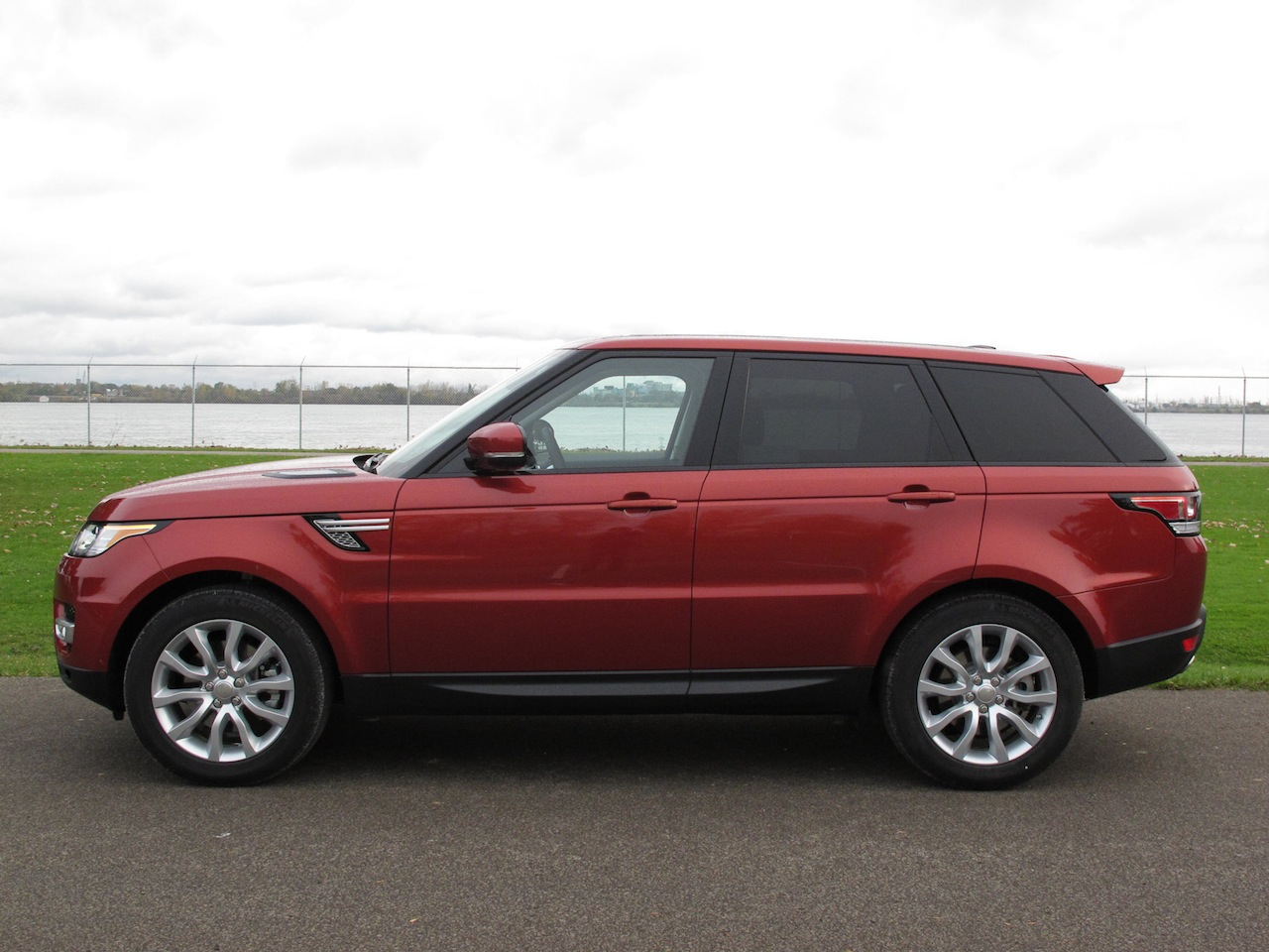 2014 Range Rover Sport V6 Hse And 2014 Bmw X5 Xdrive50i