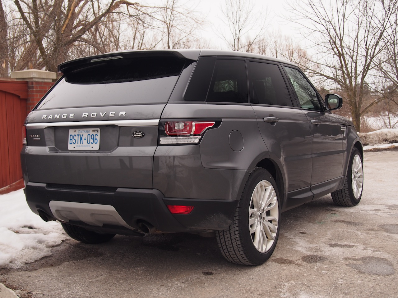 2014 range rover sport v6 hse cars photos test drives and reviews canadian auto review. Black Bedroom Furniture Sets. Home Design Ideas