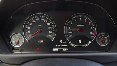 2015 BMW M4 Coupe Austin Yellow gauges