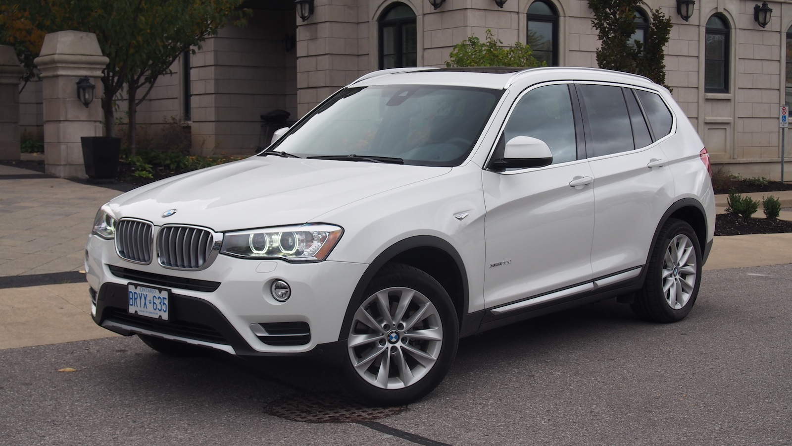review 2015 bmw x3 xdrive28d canadian auto review. Black Bedroom Furniture Sets. Home Design Ideas