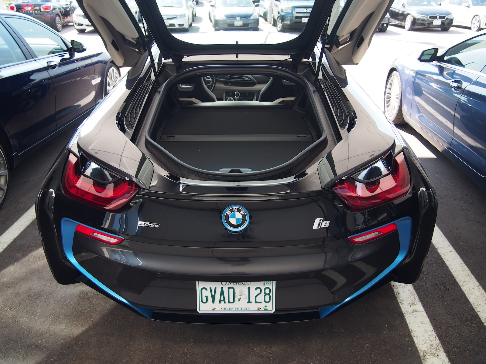 Richmond Hill Mitsubishi >> 2015 BMW i8 Quick Look and Facts - Cars, Photos, Test Drives, and Reviews | Canadian Auto Review