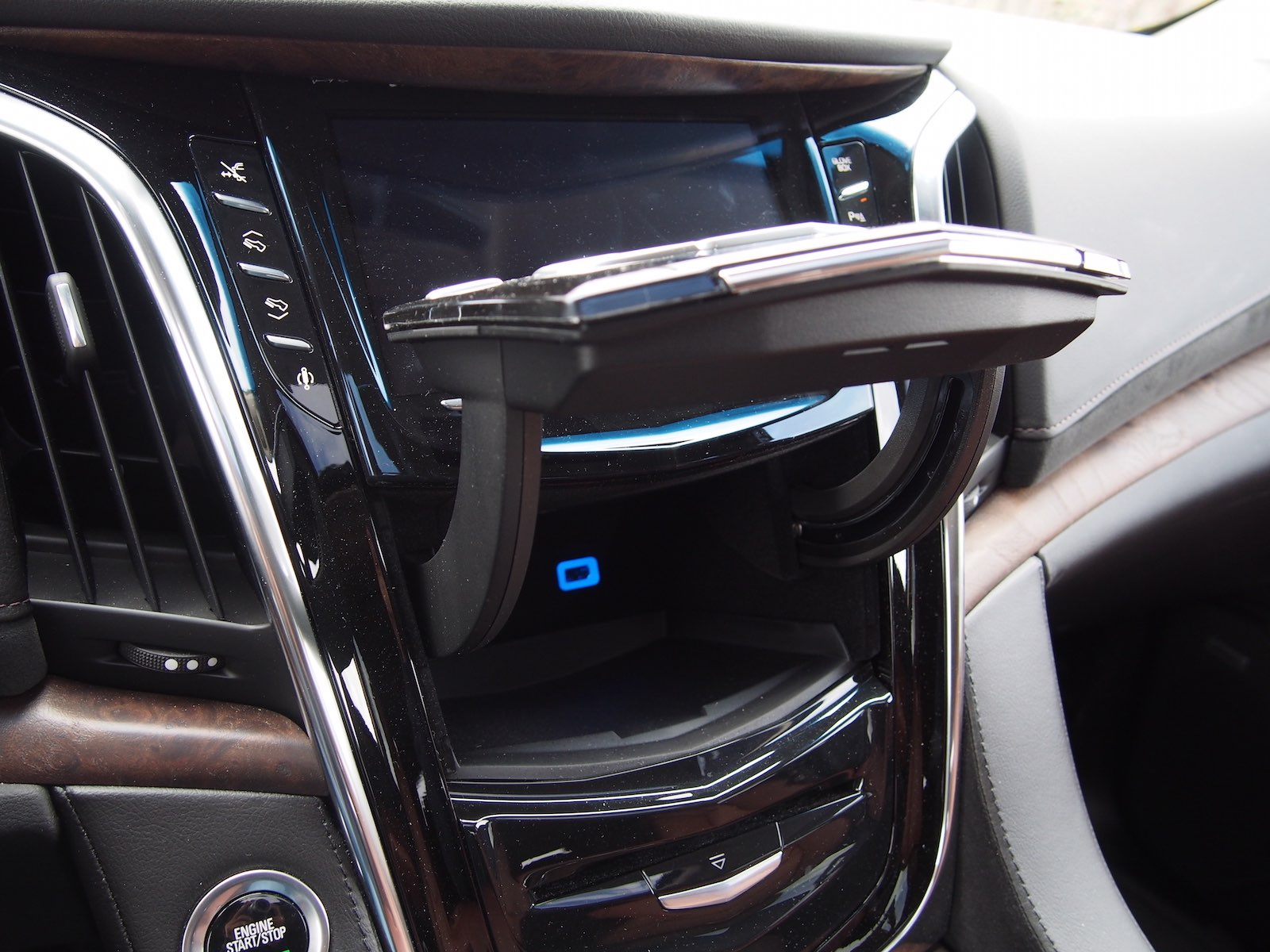 ... 2015 Cadillac Escalade ESV White Hidden Storage Compartment ...