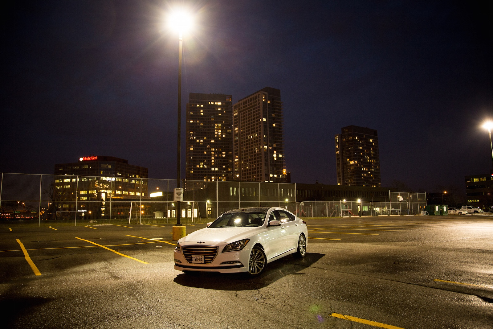 Review 2015 Hyundai Genesis 5 0 Ultimate Canadian Auto