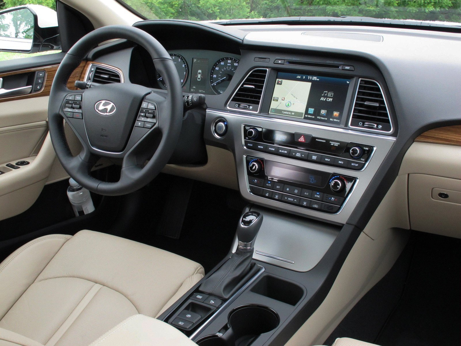 Review 2015 hyundai sonata canadian auto review - 2015 hyundai sonata interior pictures ...