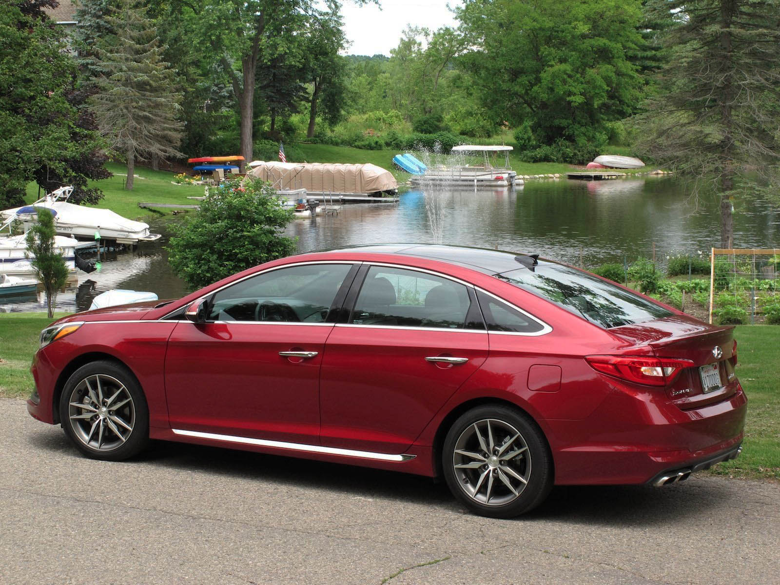 review 2015 hyundai sonata canadian auto review. Black Bedroom Furniture Sets. Home Design Ideas