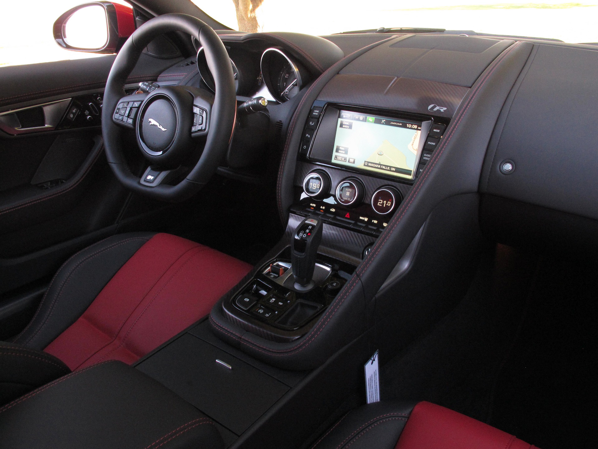 review 2015 jaguar f type r coupe canadian auto review. Black Bedroom Furniture Sets. Home Design Ideas