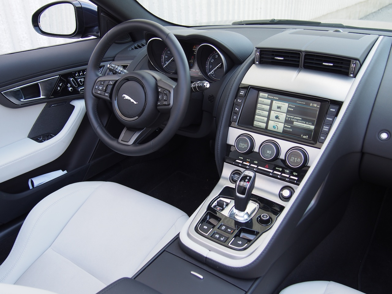 ... 2015 Jaguar F Type V6 Convertible Indigo Blue Metallic Interior White  Black Dashboard ...