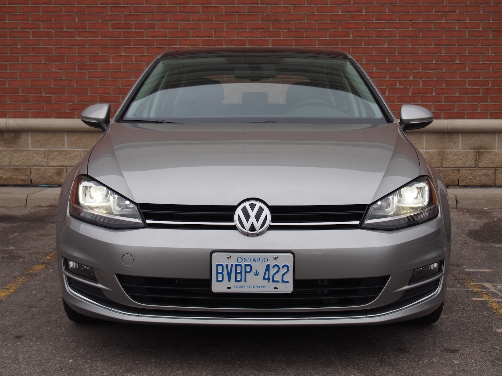 review 2015 volkswagen golf 1 8t highline canadian auto review. Black Bedroom Furniture Sets. Home Design Ideas