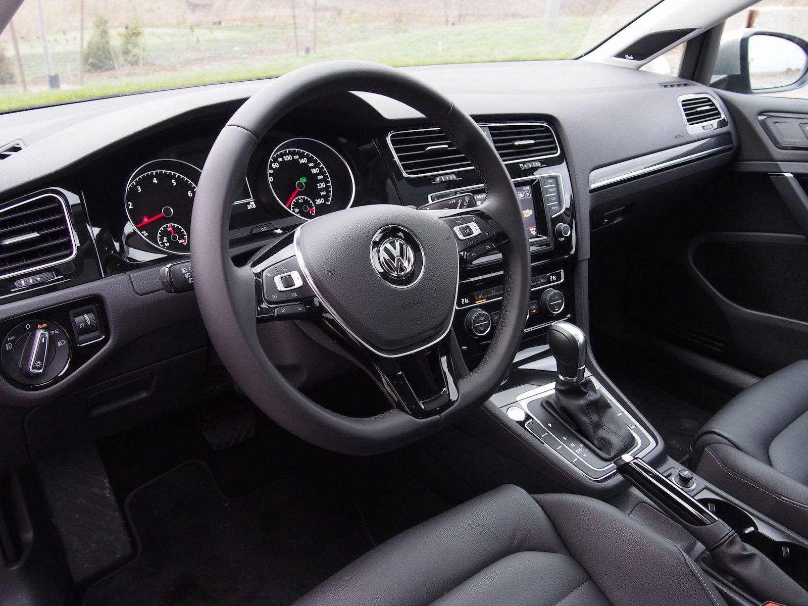 Review: 2015 Volkswagen Golf 1.8T Highline | Canadian Auto ...