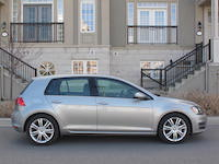 2015 Volkswagen Golf Highline side