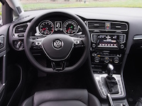 2015 Volkswagen Golf Highline steering wheel