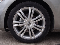 2015 Volkswagen Golf 17 inch wheels