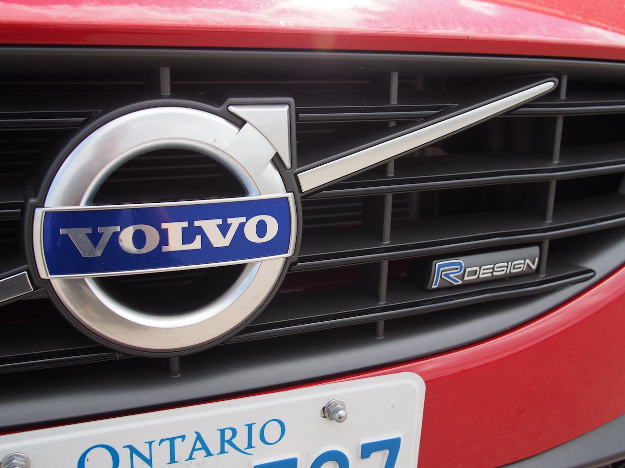 2015 Volvo V60 T6 R-Design Photoshoot - Cars, Photos, Test Drives, and Reviews   Canadian Auto ...