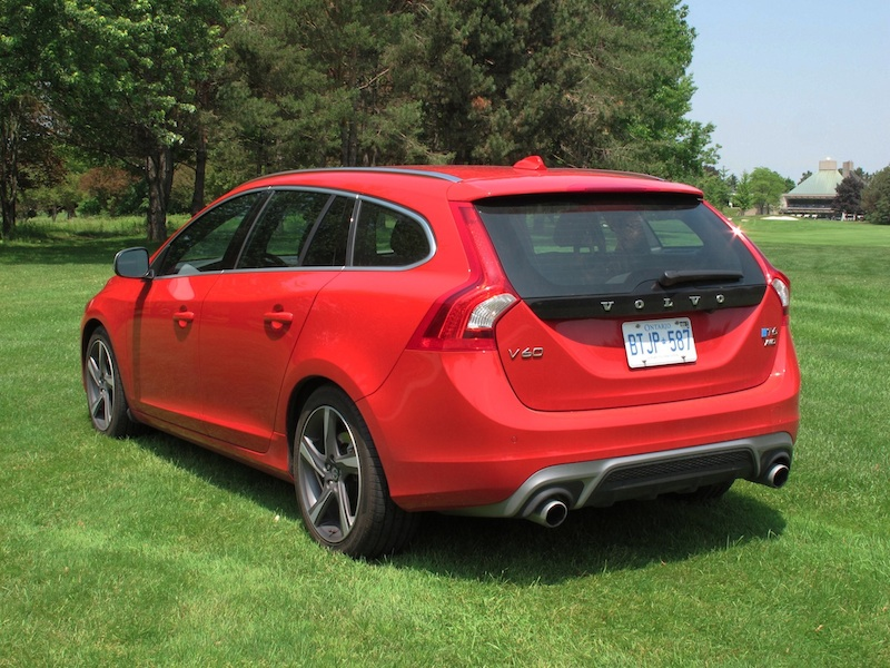 review 2015 volvo v60 t6 awd r design canadian auto review. Black Bedroom Furniture Sets. Home Design Ideas
