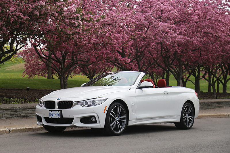 bmw 435i cabriolet alpine white top down