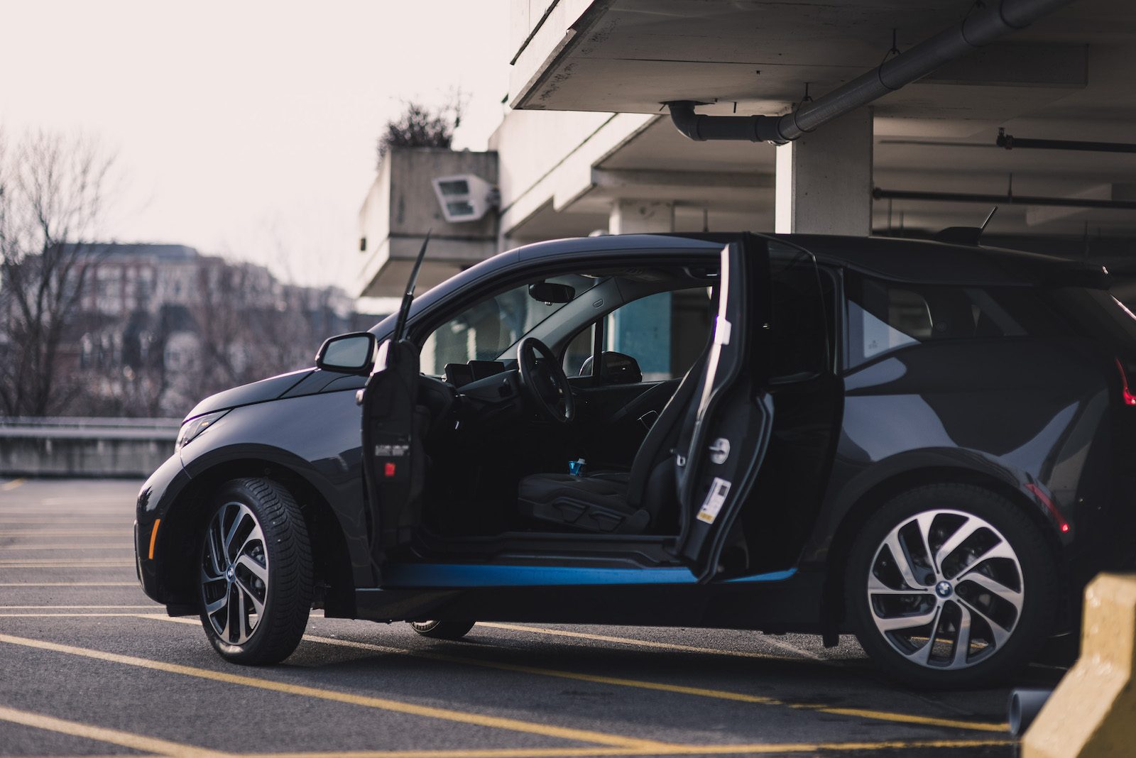 T Rex Car Price >> Review: 2015 BMW i3 | Canadian Auto Review