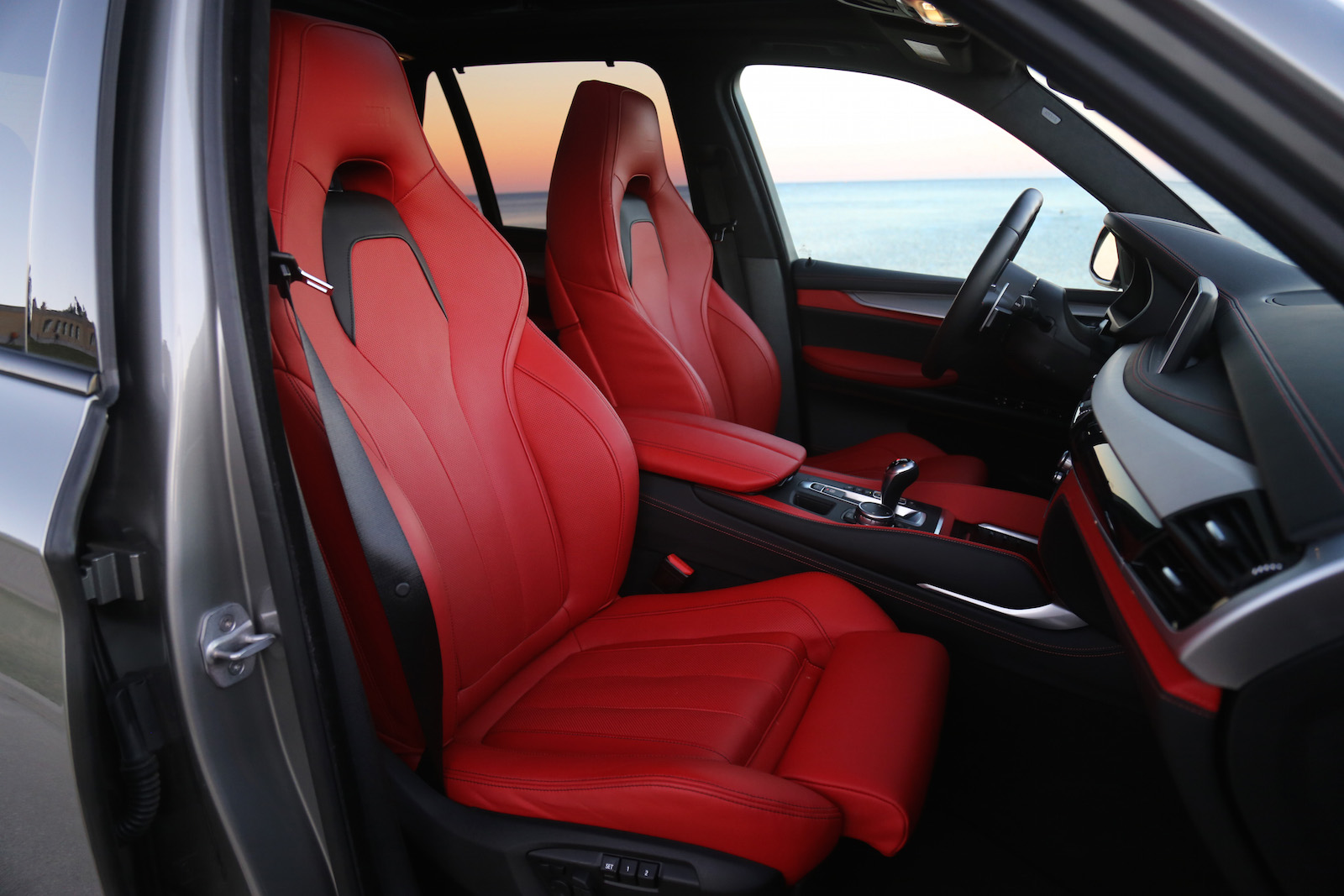 Bmw X5m Mugello Red Front Seats