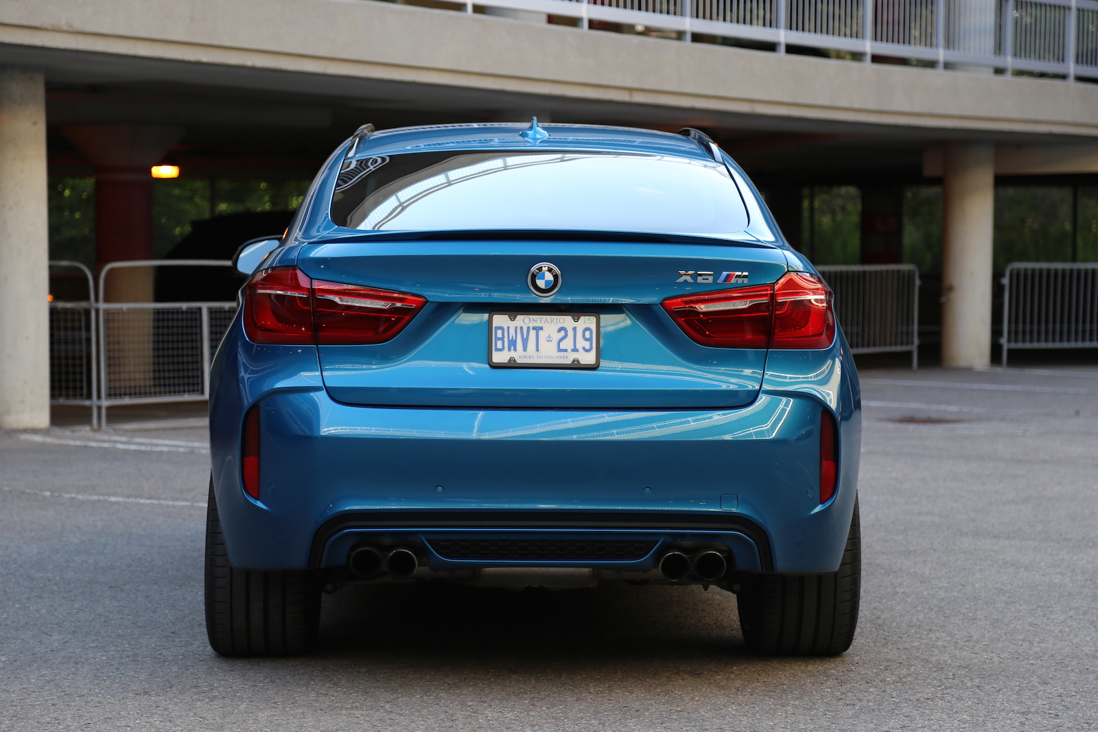 review 2015 bmw x6 m canadian auto review. Black Bedroom Furniture Sets. Home Design Ideas