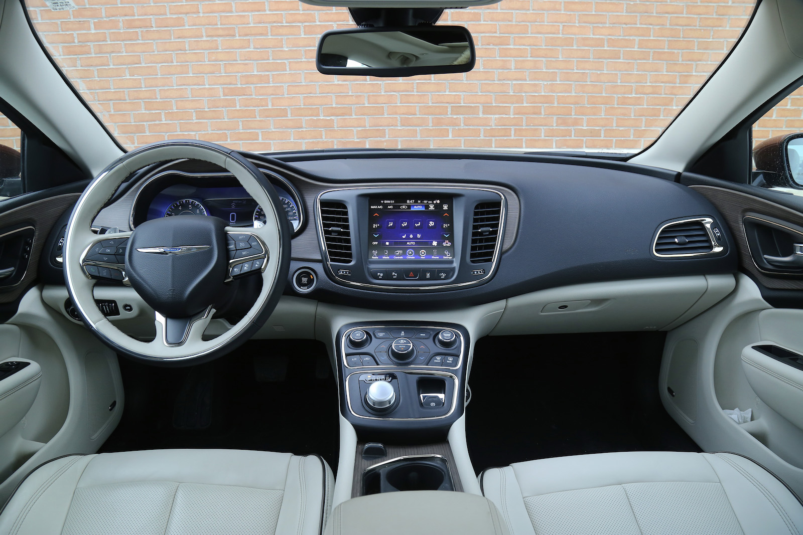 Review 2015 Chrysler 200c Awd Canadian Auto Review