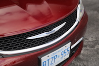 chrysler 200 grill
