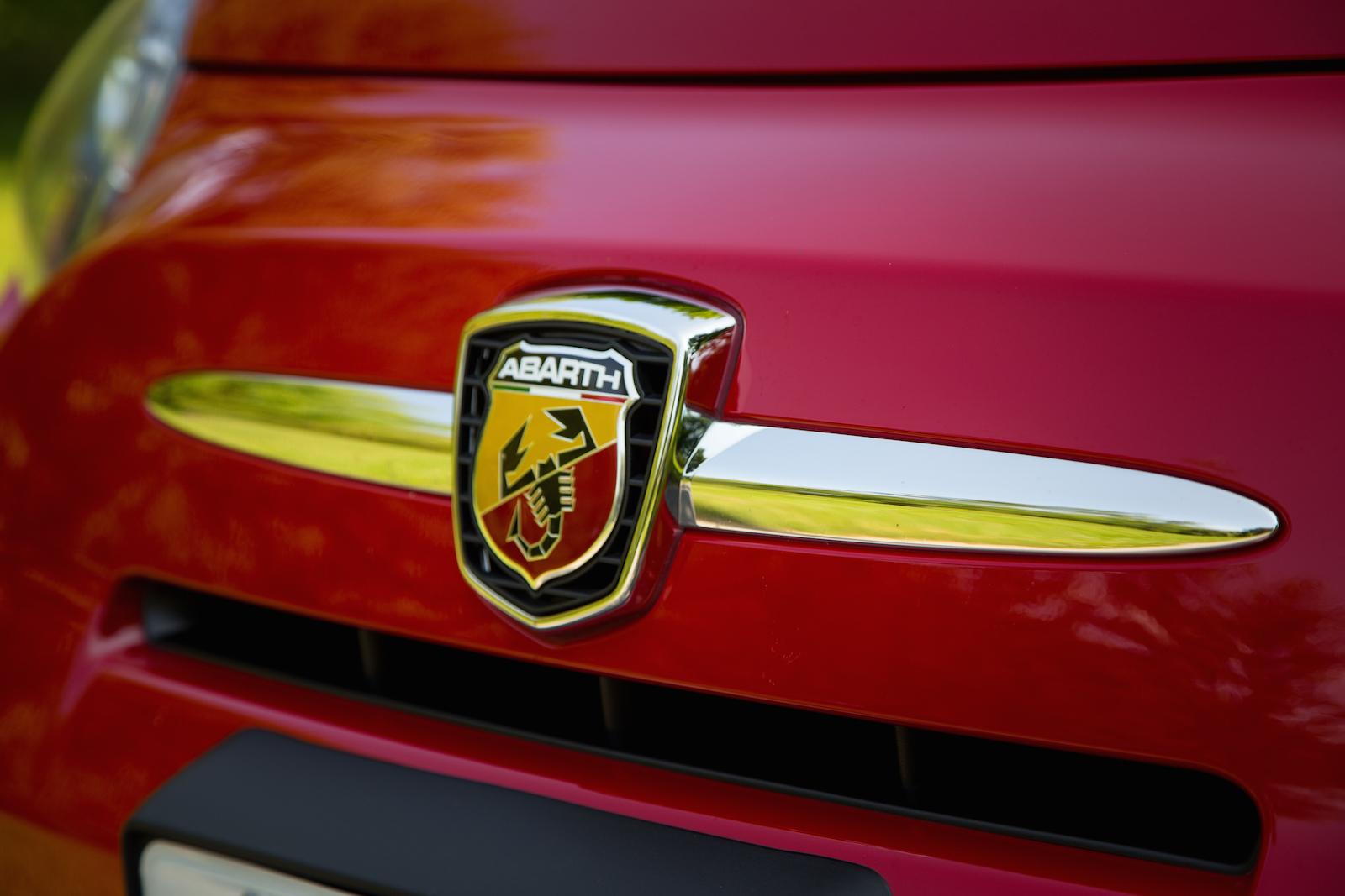 Quick Drive 2015 Fiat 500 Abarth Cabrio Canadian Auto