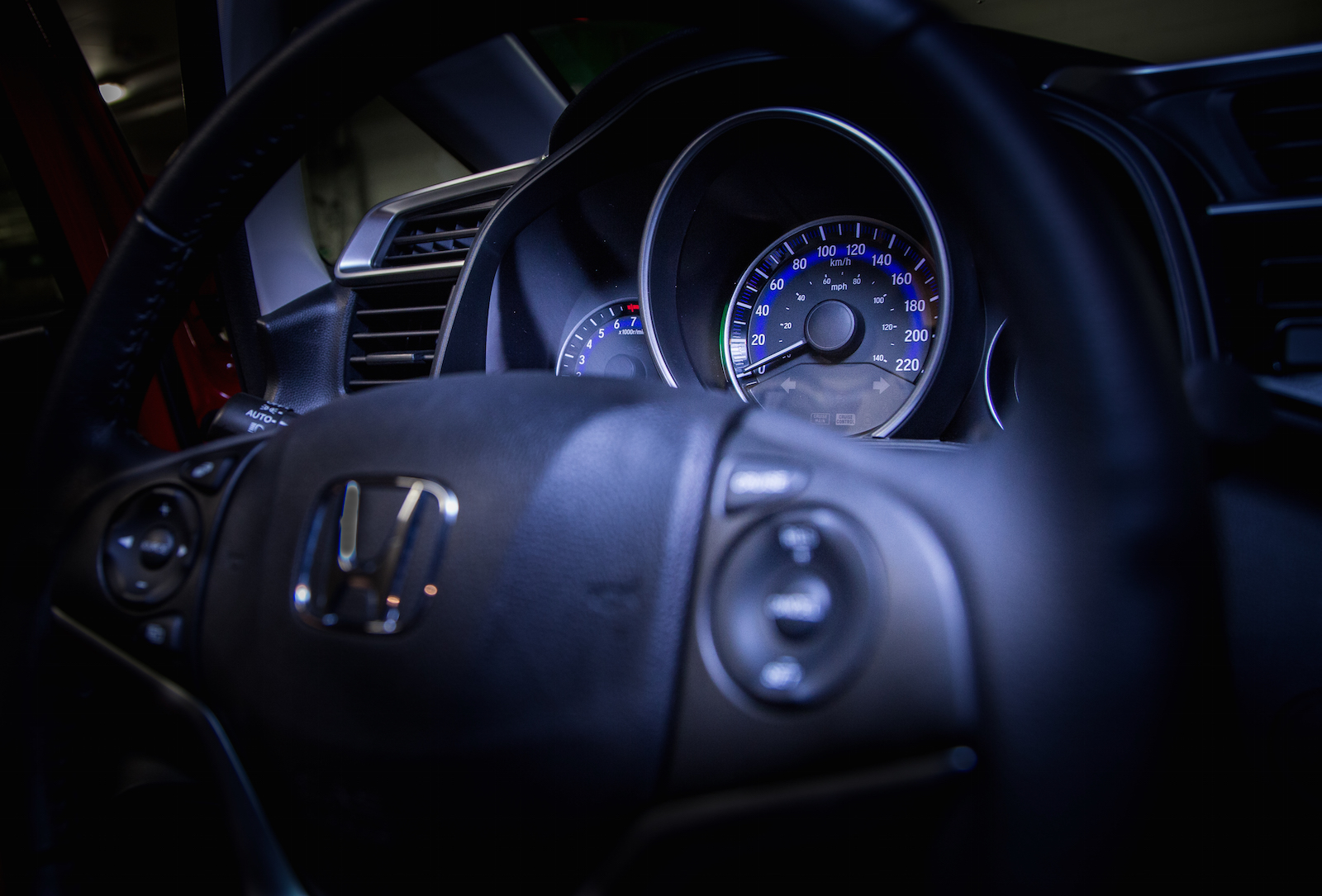 review  honda fit  canadian auto review