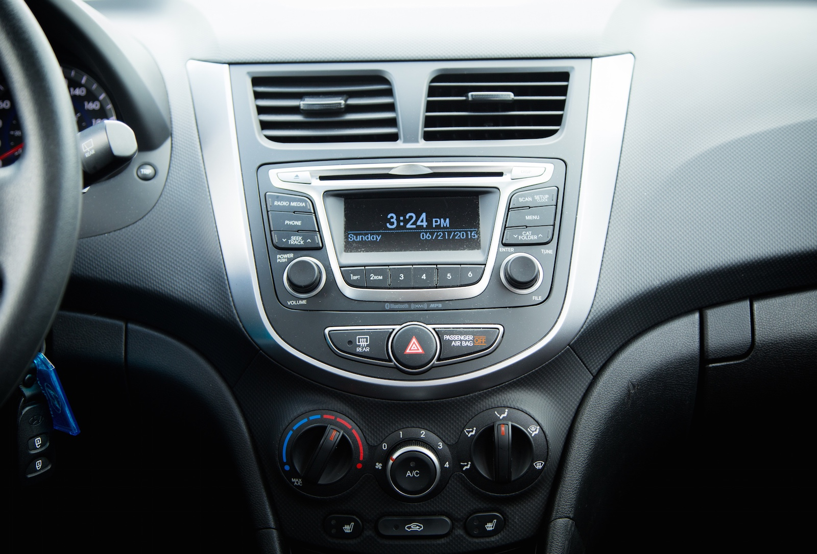 Review 2015 hyundai accent canadian auto review hyundai accent publicscrutiny Images