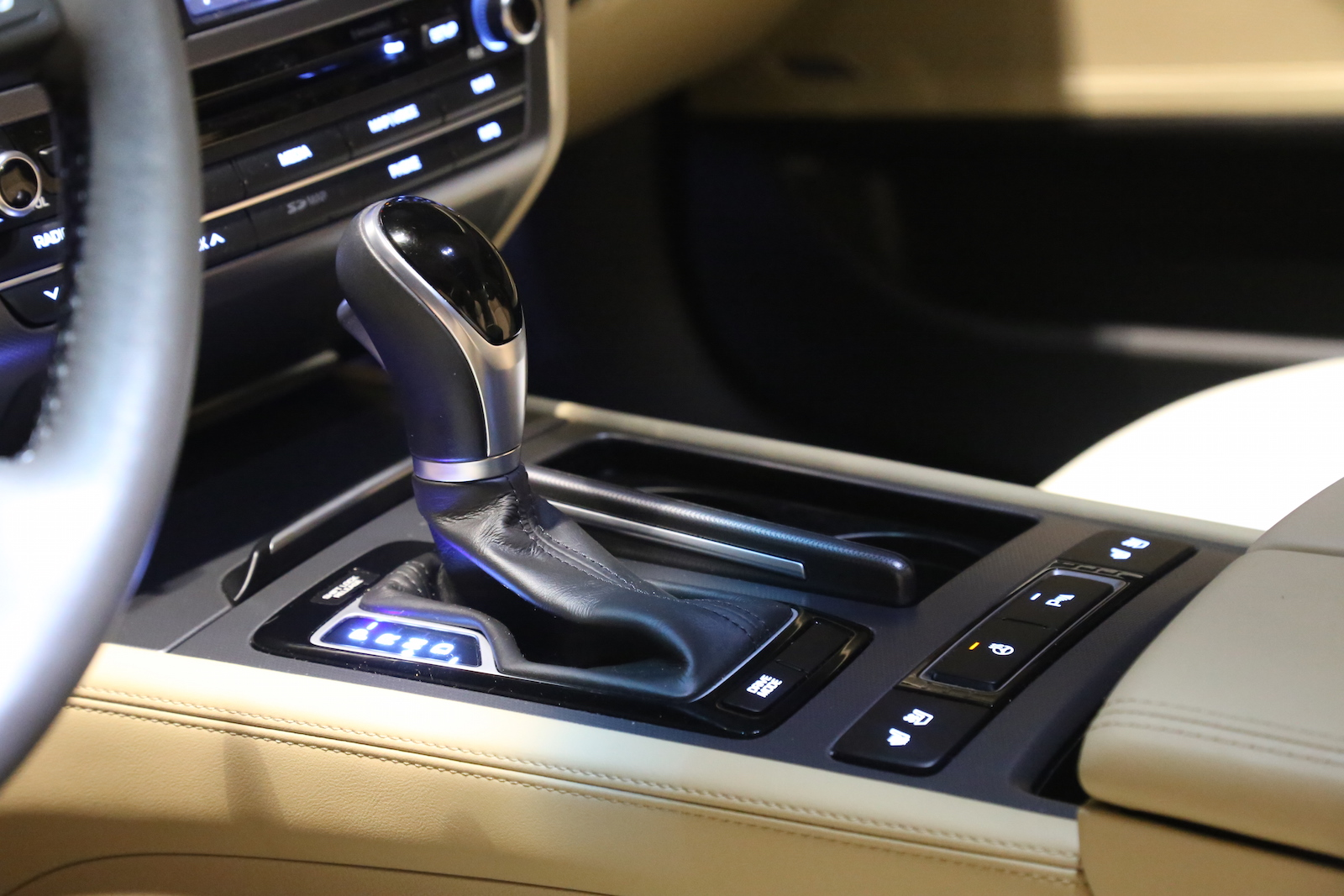 2015 Hyundai Genesis Beige Interior